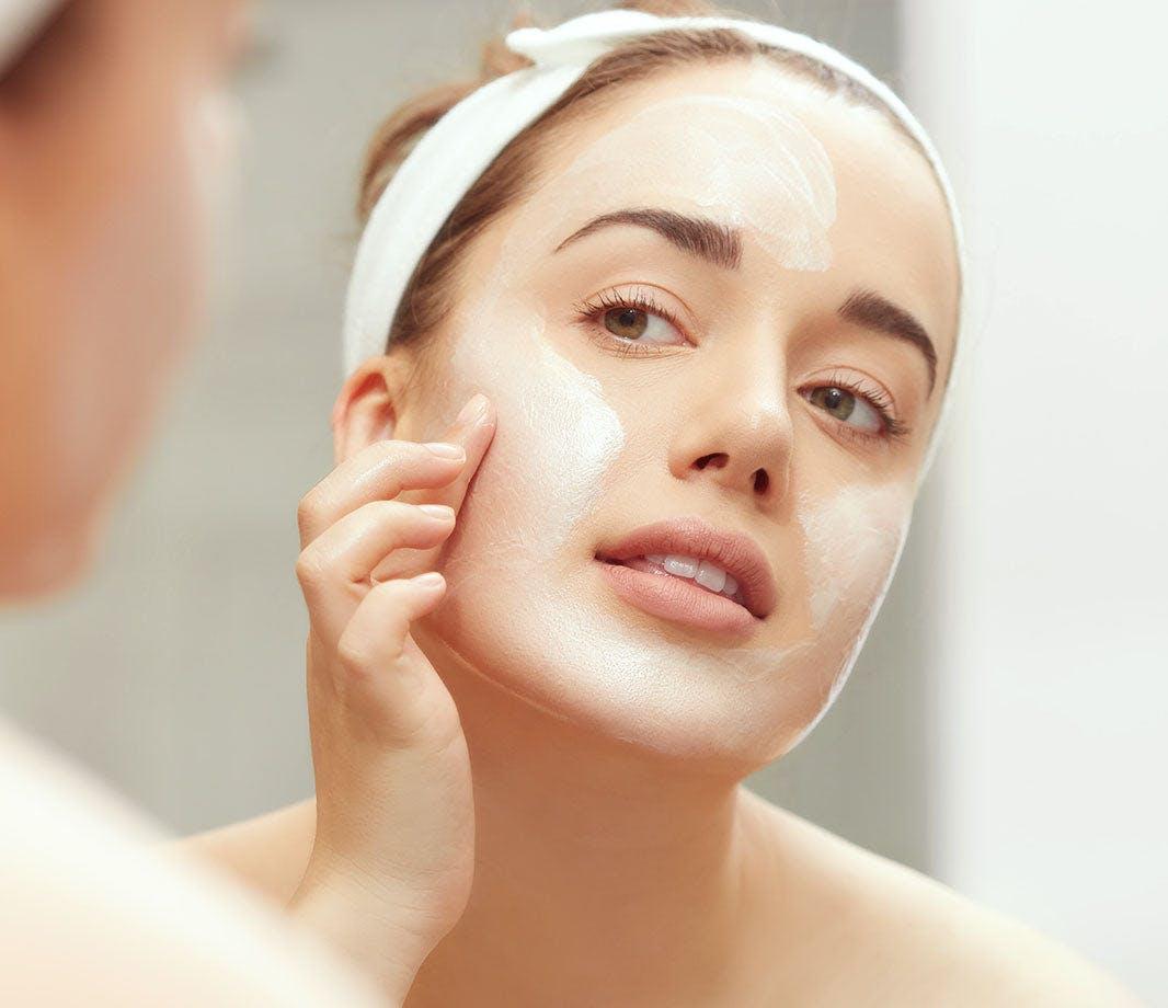 Karissa Bodnar applying overnight face mask
